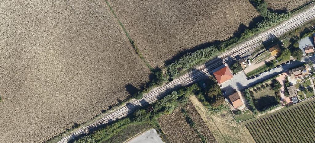 Rilievo topografico aerofotogrammetrico con APR  linea Ferroviaria Civitanova Marche - Albacina